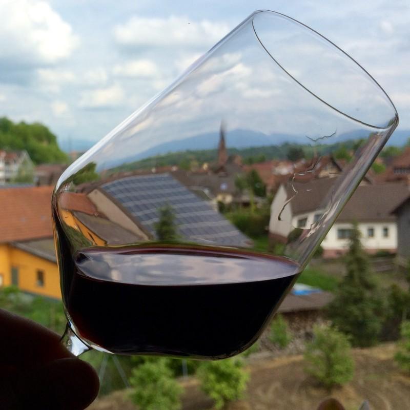 Schlierenbildung im Weinglas